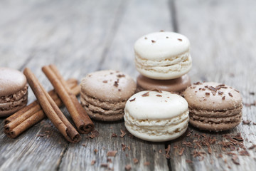 macarons cannelle et chocolat