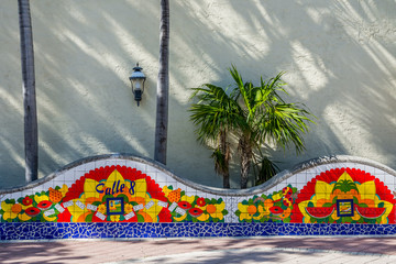 Spoed Fotobehang Havana Miami Calle ocho mosaic at Little Havana domino park