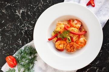 Garlic shrimp noodle with bell pepper