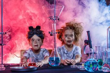 children doing experiments