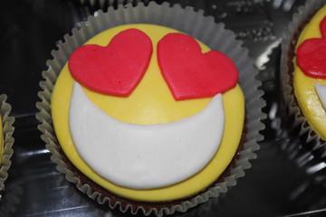 cupcake happy emoji