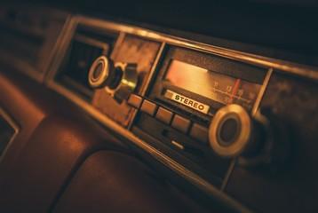 Vintage Classic Car Radio