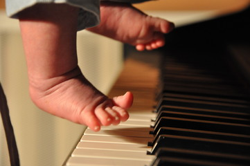 art of music for small kids, piano education and solfeggio