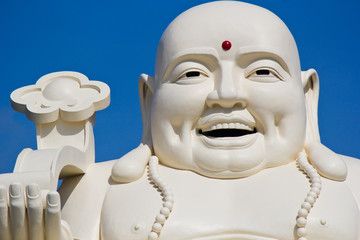 Buddha statue made in white marble