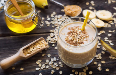 Nutritional smoothie with banana, oat flakes and peanut butter