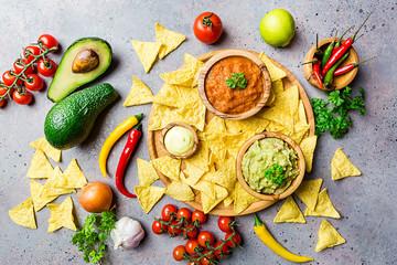 Mexican nachos with dip
