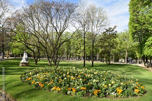 Printemps Fleuri Au Jardin Du Luxembourg A Paris France Stock