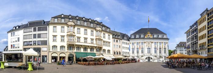 Bonner Marktplatz mit dem Alten Rathaus