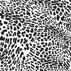 Trendy Leopard or cheetah skin seamless pattern, animal fur. Fabric design, wrapping paper, textile.