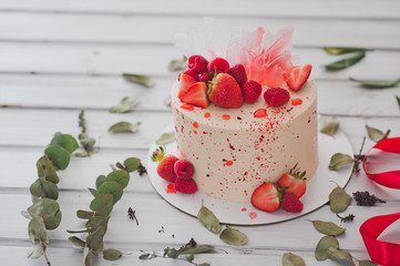 Cake decorated with strawberries 1003.