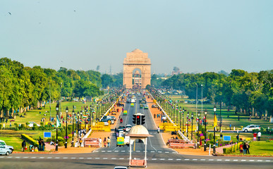 Photo sur Plexiglas Delhi View of Rajpath ceremonial boulevard from the Secretariat Building towards the India Gate. New Delhi