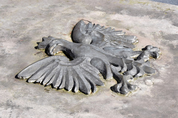 Polski symbol narodowy: Orzeł w koronie.
