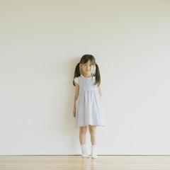 微笑む日本人の女の子