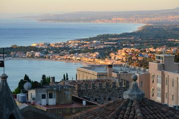 イタリア、シチリアのタオルミーナの風景