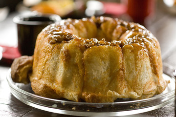 Coffee cake with nuts