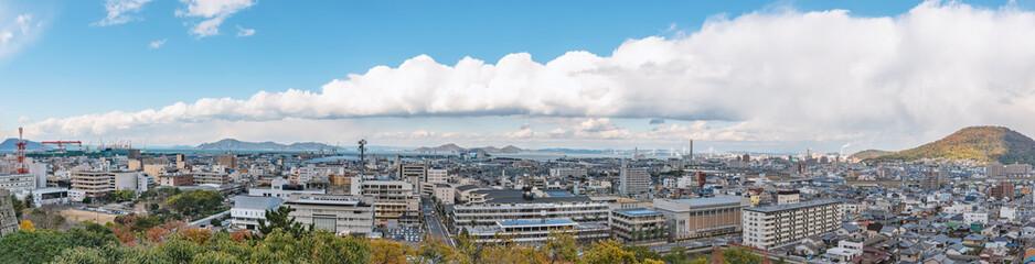 丸亀城から丸亀市街と瀬戸内の眺望