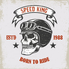 Speed king. Born to ride. Vintage racer skull in winged helmet illustration on grunge background. Design element for poster, emblem, sign, t shirt.
