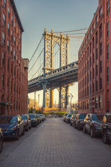 Fototapete - View on Manhattan bridge from washington street in Brooklyn