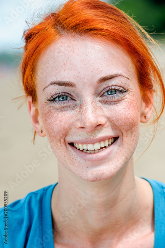 Quot Portrait Of A Happy Smiling Beautiful Young Redhead Woman