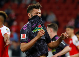 Bundesliga - 1.FSV Mainz 05 v SC Freiburg