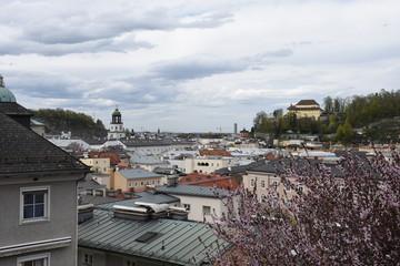 Salzburg, Stadt, historisch, Mozart, Mozartstadt, Salzach, Dom, Salzburger Dom, Jedermann, Hohensalzburg, Festung, Festspielhaus, Sankt Peter, Getreidegasse
