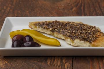 Arabisches Brot mit Olivenöl und Pfeffer