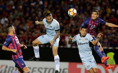 Soccer Football - Paraguay's Cerro Porteno v Brazil's Gremio - Copa Libertadores