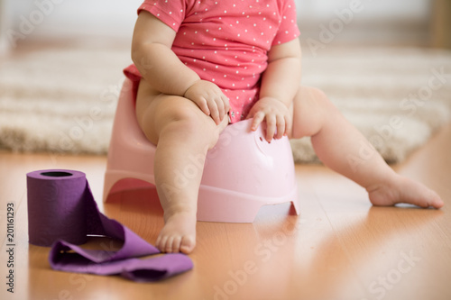how to potty train a one year old baby girl