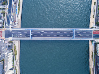 大きな橋。鳥瞰図。