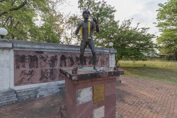 タイ国ピマーイ出身のボクサー スックプラサートヒンビマーイの像