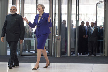 Britain's Prime Minister Theresa May and India's Prime Minister Narendra Modi visit the Francis Crick Institute in London