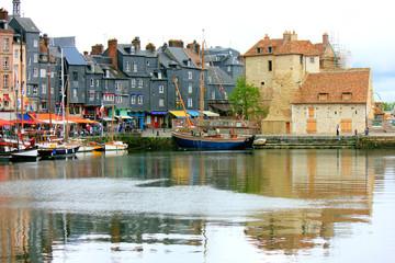 la vielle ville de honfleur et son port Fotomurales