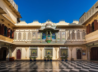 Fototapete - Peacock courtyard (Mor Chowk) in Udaipur city palace, India.