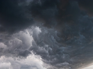 Burzowe chmury.