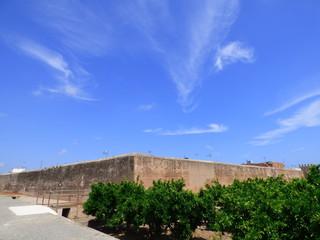 El Conjunto fortificado de Mascarell (Castellon,España) conocido también como Murallas de Mascarell, sito en el núcleo poblacional de Mascarell, dentro del municipio de Nules, Plana Baja