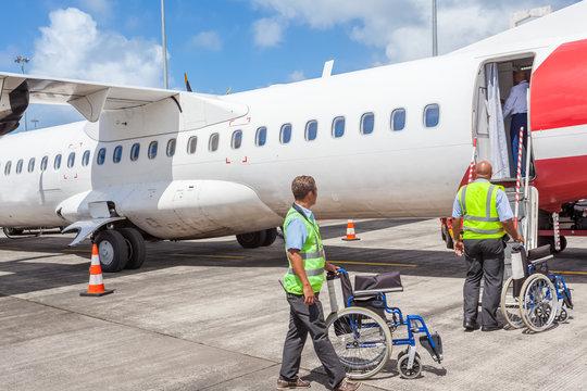 transports aériens, prise en charge des personnes à mobilité réduite