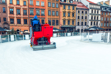a special machine cleans ice