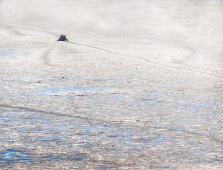 Kleines Schiff im Eismeer  Small ship in the frozen sea