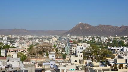 Stadtpanorama von Udaipur in Rajasthan, Indien