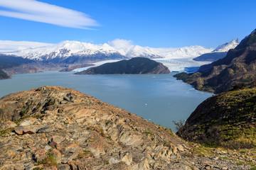 Blick auf den Grey Gletscher und die gleichnamige Lagune, Torres del Taine, Chile
