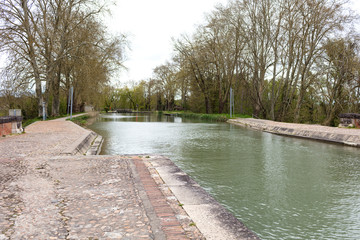 Garonne channel gates