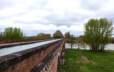 Garonne channel arches