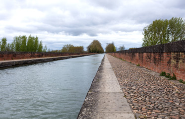 Garonne channel in Moissac H