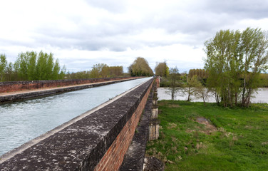Garonne chanel in Moissac