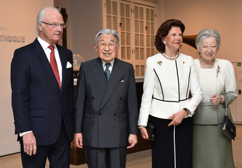 "Sweden's King Carl XVI Gustaf, Queen Silvia greet Japan's Emperor Akihito and Empress Michiko upon their arrival at the special exhibition ""The Art of Natural Science in Sweden""at the JP Tower Museum Intermediatheque in Tokyo"