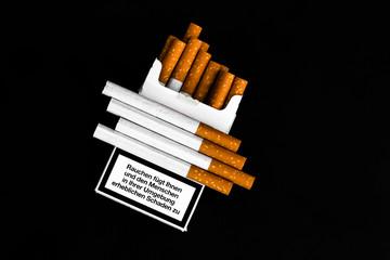 Zigarettenschachtel mit Warnhinweis