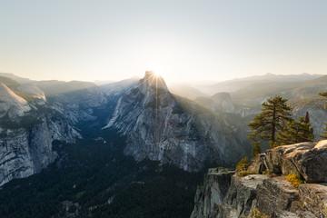 Wall Mural - Lever de soleil à Glavier Point. Parc National de Yosemite, Californie