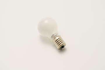 電球 ひらめき アイデア
