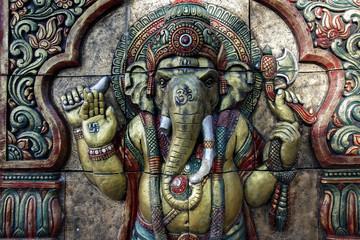Un bas relief représentant le dieux hindou  Ganesh  dans un temple de Katmandou
