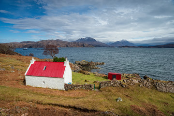 Wall Mural - Cottage on the shore of Loch Shieldaig in Scotland